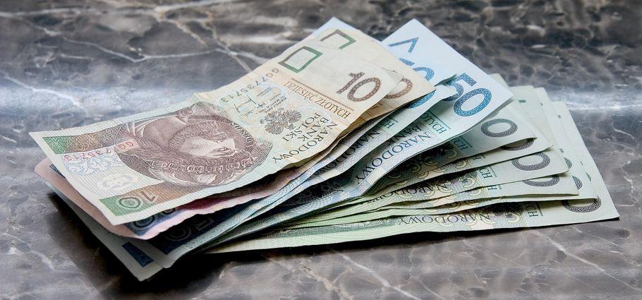 pieniądze PLN banknoty zł