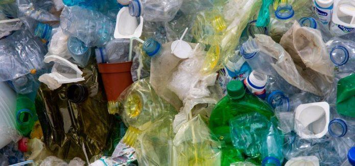 odpady i śmieci plastikowe