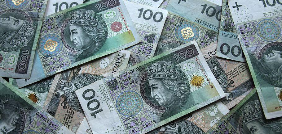 100 PLN banknoty