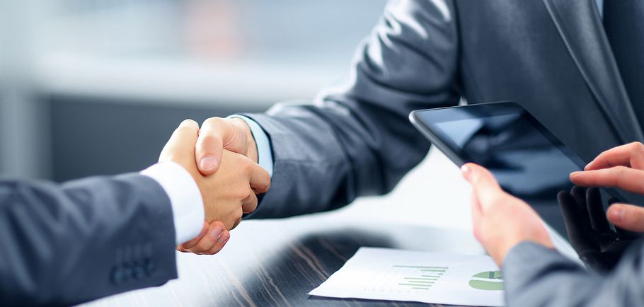 finanse umowa biznes
