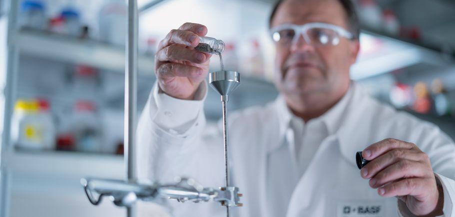 BASF węgiel czyste olefiny emisja CO2