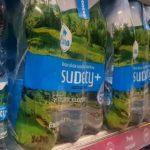 Butelki Carrefour z coraz mniejszą ilością plastiku